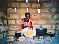 woman-cooking-in-traditional-gambian-kitchen